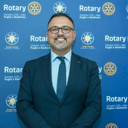 https://www.rotary2120.org/wp-content/uploads/2019/06/Alessandro-Amendolara-1-500x500.jpg