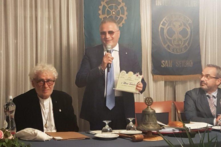 """Rotary Club San Severo e Mario Trematore, il pompiere di Torremaggiore che ha salvato la """"Sacra Sindone"""""""