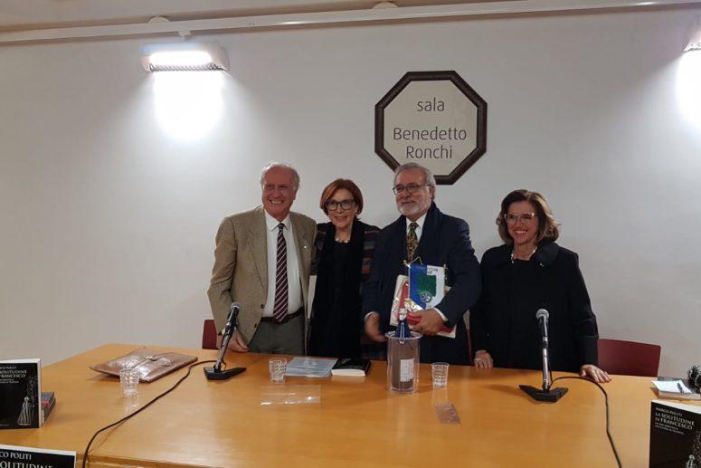 """Rotary Club Trani_Marco Politi presenta il suo ultimo libro """"La solitudine di Francesco"""""""