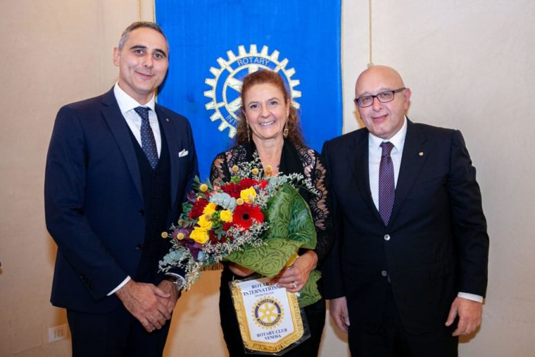 Il patrimonio della lingua: Del Puente al Rotary Club di Venosa
