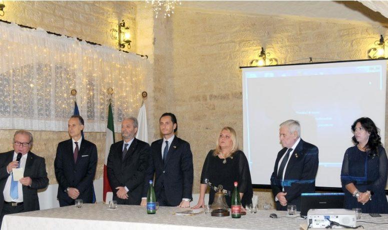 FESTA DEGLI AUGURI DI NATALE AL ROTARY CLUB FOGGIA