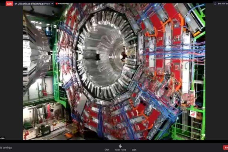 R.C. TRANI. LIVE TOUR DELL'ESPERIMENTO CMS IN COLLEGAMENTO COL CERN DI GINEVRA