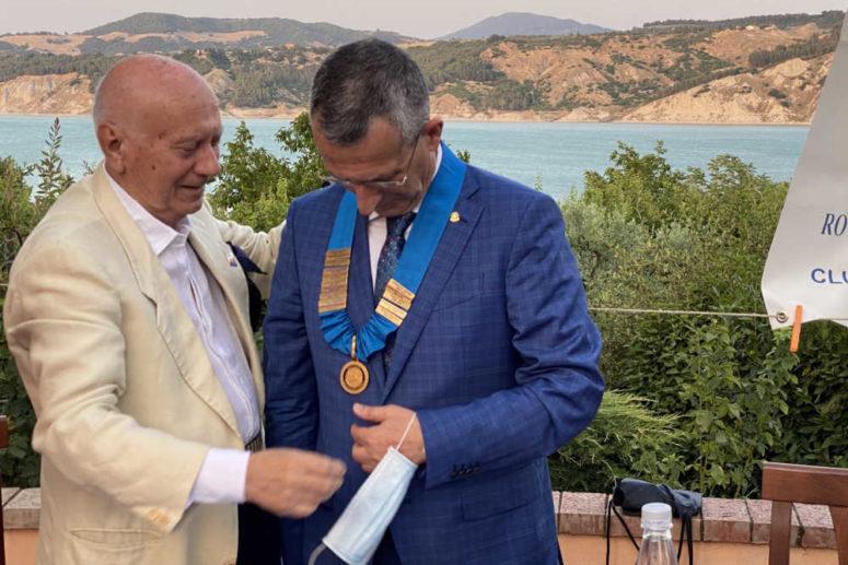 Passaggio del Martelletto RC Senise Sinnia 2021-2022 Riconfermato il presidente Totaro