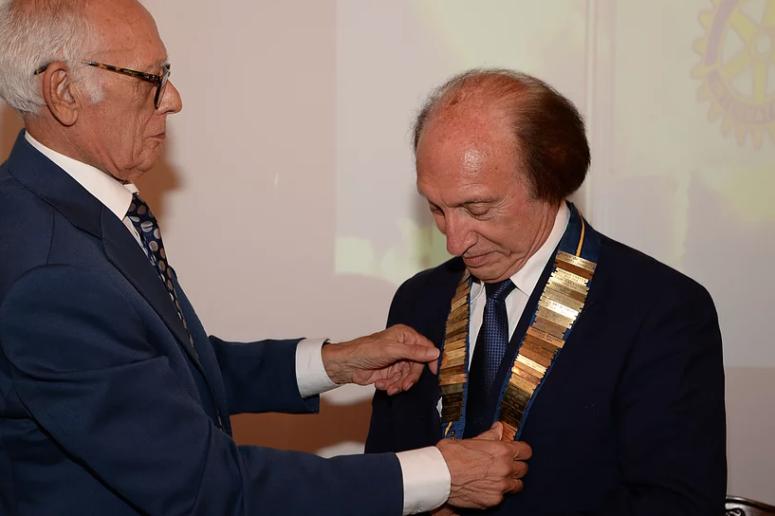 """""""Accogliere per condividere in amicizia"""", il motto di Felice de Sanctis nuovo presidente del Rotary Molfetta"""